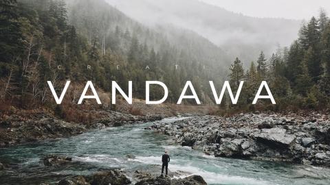 Vandawa Creative Business PowerPoint Template